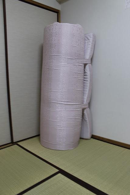 東京西川の整圧布団 巻いた状態